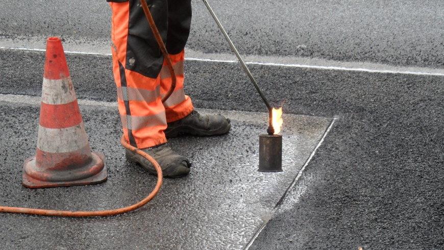 Straßenbau und Asphaltarbeiten